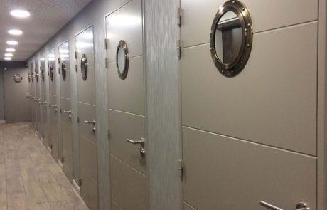 Portes palières en metal