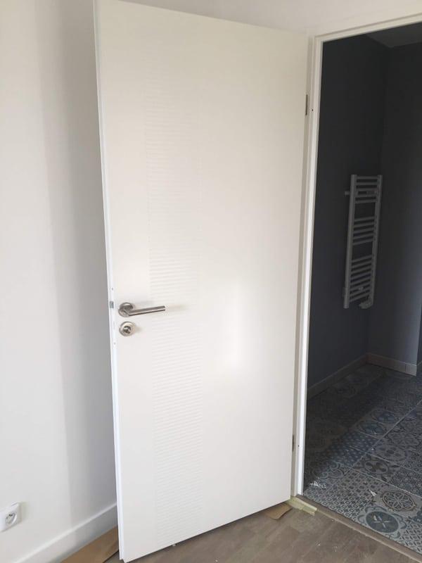 Pose de portes de distribution
